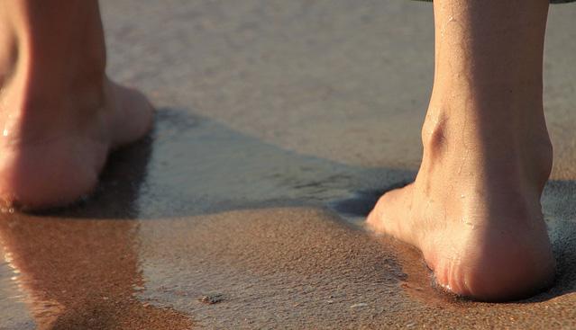 cuidado-pies-verano-podologos-alicante-profesionales